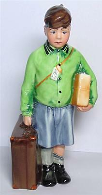 Royal Doulton  Wwii  Figurine The Boy Evacuee Hn3202 Children Of The Blitz