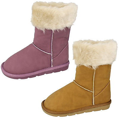 Wholesale Girls Boots 18 Pairs Sizes 6-12  H4097
