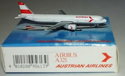"Schabak Airbus A321-211 Austrian Airlines ""Early 1990s Colors"" in 1:600 scale"