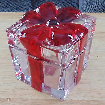 Mikasa Celebrations Large Square Glass Red Ribbon Box