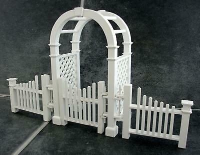 Dolls House Miniature Garden Furniture White Wooden Arbour with Gate & Fences