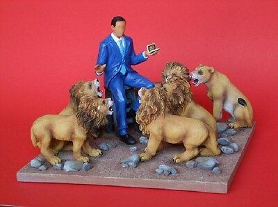 Annie Lee  President Obama in the Lion's Den Figurine