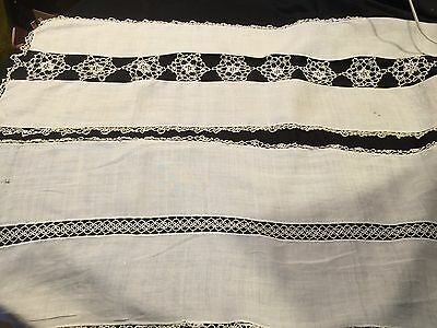 Pair Of Vintage White Linen Table Runners With Tatted/tatting Trimi