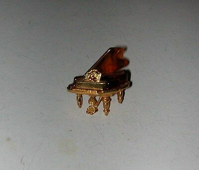 VINTAGE AVON GOLD TONE TORTOISE SHELL THERMOSET GRAND PIANO PIN BROOCH