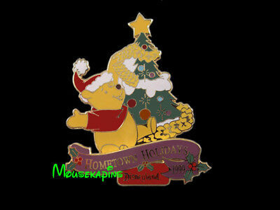 Winnie the POOH Christmas HOMETOWN Holidays DISNEYLAND 1999 Disney LE 3D Pin