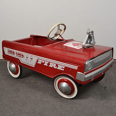 LOCAL PICK UP Vintage MURRAY Red Fire Truck Pedal Car w/State Farm Sticker