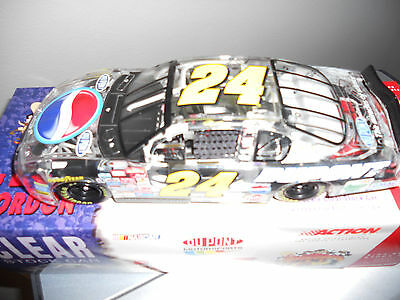 JEFF GORDON 1/24 ACTION  #24 2001 DUPONT PEPSI CLEAR
