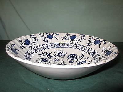 J&G MEAKIN ENGLAND BLUE CLASSIC WHITE NORDIC VEGETABLE BOWL