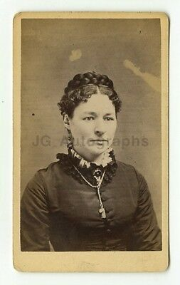 19th Century Fashion - 1800s Carte-de-visite Photograph - Beers of New Haven, CT