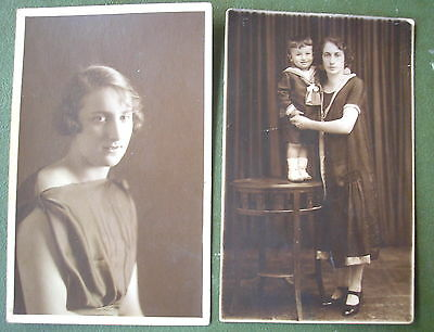 1920´s YOUNG LADIES w/ FLAPPER DRESS & FINGER WAVE HAIRSTYLE TWO NICE PHOTOS PC