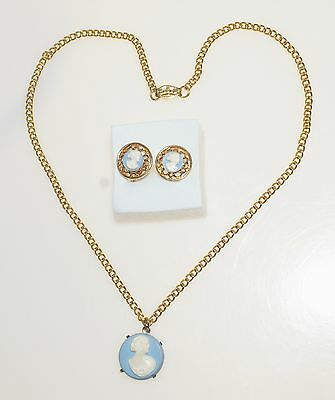 """Blue White Thermoset Plastic Cameo Clip Earrings Vintage 16"""" Necklace"""