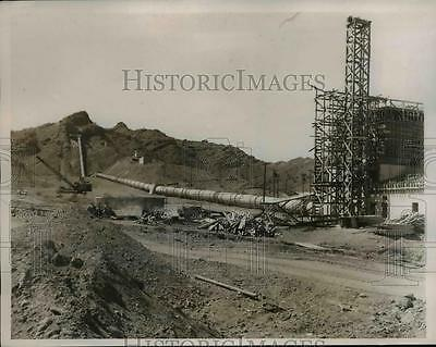 1937 Press Photo A Power Plant and one of the three huge pipes carrying water