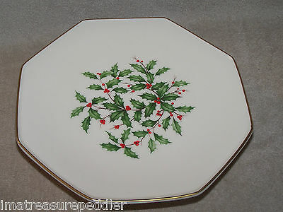 "Lenox HOLIDAY Pedestal Cake Stand Footed Serving Plate 10 1/2""  Holly & Berries"