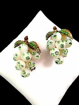 VTG 1950 AUSTRIA FORBIDDEN FRUIT LIME GREEN RHINESTONE GRAPES PAIR SCATTER PINS