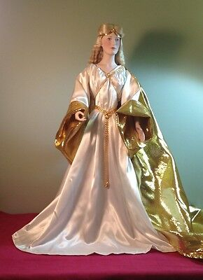 """Queen Galadriel Doll """"Lord of the Rings""""  Franklin Mint 1987  MINT/no box or Coa"""