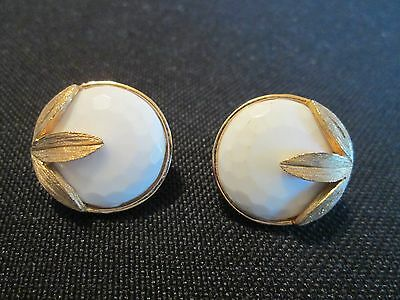 """VintageTRIFARI Crown Signed faceted white stone Gold Tone Clip Earrings 3/4"""""""