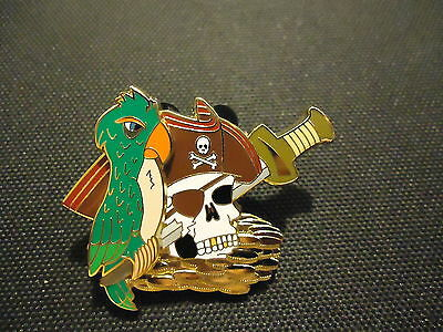 DISNEY DLR PIRATES OF THE CARIBBEAN LEGEND OF THE GOLDEN PINS SKULL PARROT PIN