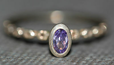 SZ 4.75 BPJ SIGNED STERLING SILVER PURPLE CRYSTAL ETCHED FLOWER BAND RING