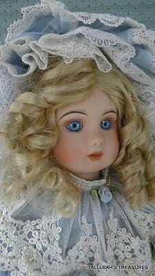 """PATRICIA LOVELESS ANTIQUE REPRODUCTION """"SABRINA"""" L.E.#910/1500 PAPER WEIGHT EYES"""