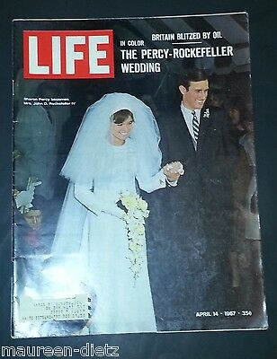 April 14, 1967 LIFE Magazine TWIGGY Old ads 60s Advertising FREE SHIPPING 4 15