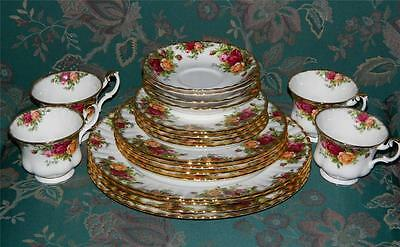 Royal Albert OLD COUNTRY ROSES Bone China 4 Place Settings England 20 Pieces