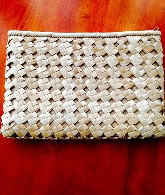 Natural fiber woven clutch with zipper 9 1/2 x 6 1/2 Brown Medium Straw M