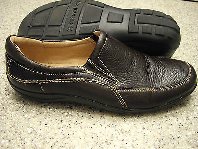 Womens Shoes NATURALIZER Size 7 1/2 M BROWN SLIP ON LN