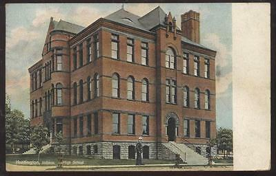 Postcard HUNTINGTON,Indiana/IN   High School Campus Building view 1907?