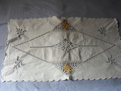Lovely Vintage Table Runner With Handmade Brussels Lace