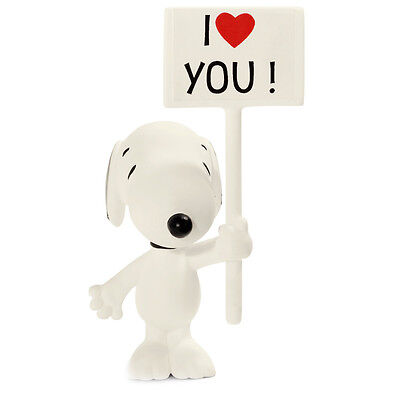 Schleich Peanuts Snoopy with I Love You Sign Collectable Figure NEW