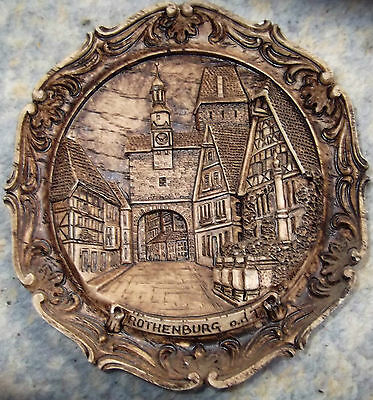 RARE, CIRCULAR WOOD & RESIN PLAQUE BY G. MURARO - ROTHENBURG O.T.D, BAVARIA