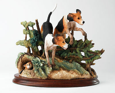 B1232 Border Fine Arts Classics by Ray Ayres - Lost Scent Foxhound Dogs 15694