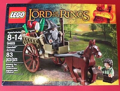 NEW! LEGO (9469) The Lord of the Rings Gandalf Arrives.