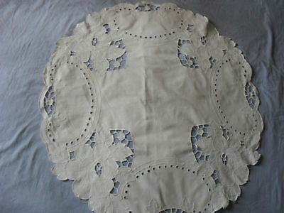 Beautiful Vintage Hand-Embroidered Tablecloth (Small)