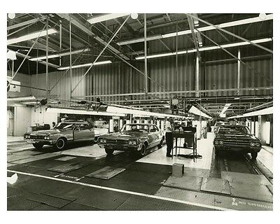 1965 Oldsmobile Automobile Factory Photo ch7938