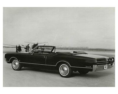 1965 Oldsmobile Dynamic 88 Convertible Automobile Factory Photo ch7962