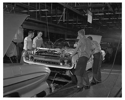 1961 Oldsmobile Assembly Line Automobile Photo Poster zch7730