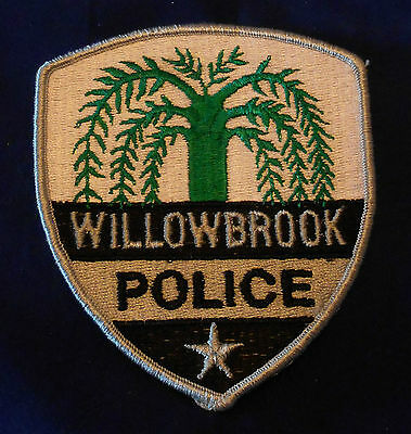 Willowbrook, Illinois Police Shoulder Patch (invp2347)