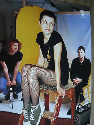 The Cranberries - Magazine Cutting (Full Page Photo) (Ref Sk)