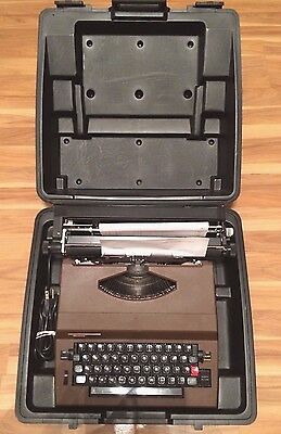 Vintage Sears Scholar 161.53970 Portable Electric Typewriter W/ Hard Case Works