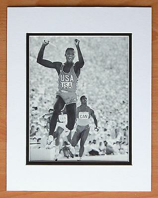 Carl Lewis Hand Signed Auto Autograph On Index Card + 8X10 B&W Photo Matted