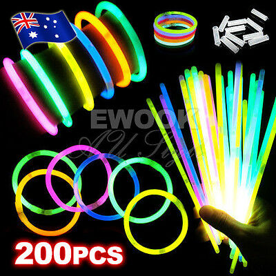 200pcs Glow Sticks Bracelets Necklaces Neon Colors Party Favors Disco Rave Rock