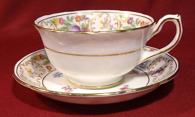 Hammersley England DRESDEN SPRAYS  Cup & Saucer-Scalloped Gold Wild Rose