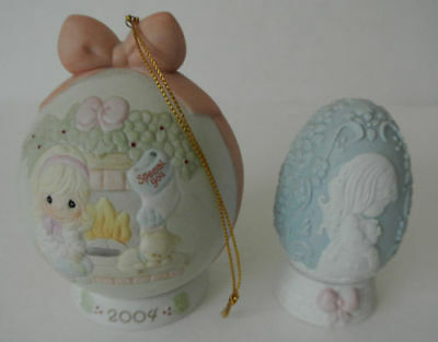 Precious Moments 2004 Ornament # 117789 w/ STAND 1996 Blue EASTER Egg w/ Stand