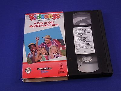 Kidsongs, VHS, A Day At Old MacDonalds Farm, Ages 2-7,25 Minutes,Mulbury Bush