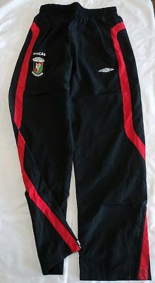 Glentoran Black Track Pants By Umbro Adults Size Xxl  Brand New With Tags