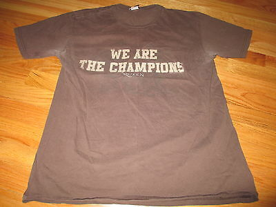 """2007 QUEEN """"We are the CHAMPIONS"""" (LG) T-Shirt BROWN"""