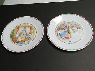 Vintage Corelle Christmas Series Lot Of 2 1986 And 1987 With Labels On Back Euc