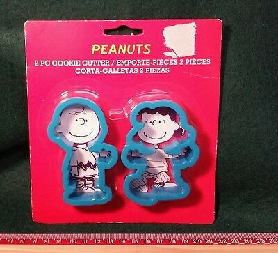 New 2 piece Peanuts Plastic Cookie Cutter Set-Charlie Brown and Lucy