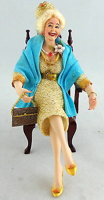 Dolls House Falcon Miniature People 1:12 Polyresin Figure Drunk Affluent Lady